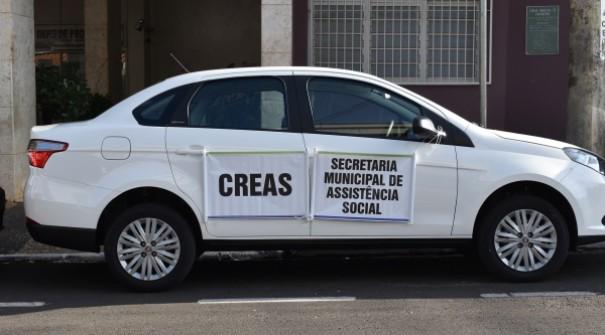 Trânsito e CREAS de Adamantina recebem novos veículos