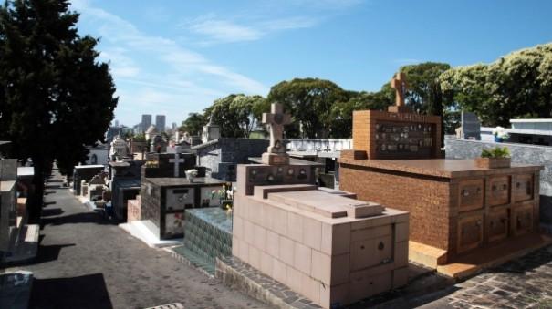 Prefeitura da região indenizará por enterrar desconhecido em jazigo familiar