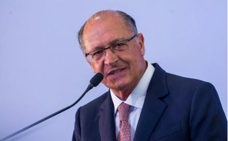 Alckmin é denunciado por falsidade ideológica eleitoral, corrupção passiva e lavagem de dinheiro