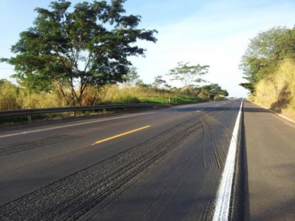 Revitalização de rodovia exige a atenção de motoristas entre Martinópolis e Caiabu