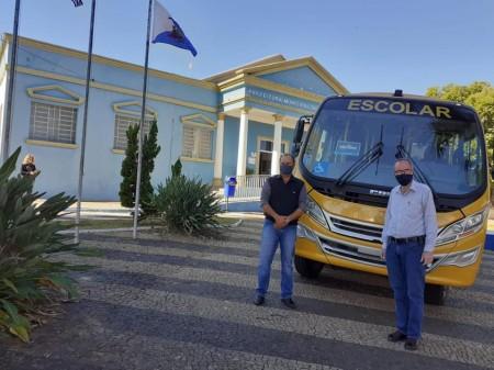 Governo de SP cede novo ônibus escolar para Prefeitura de Osvaldo Cruz