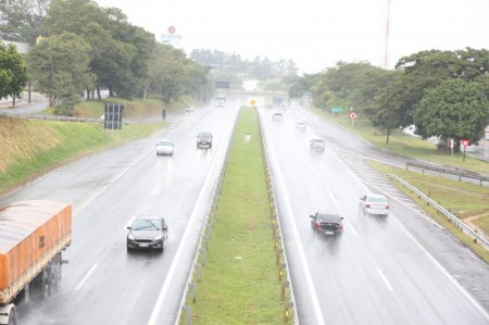 Tempo chuvoso aumenta chances de acidentes