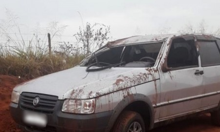 Capotamento fere duas pessoas em vicinal do município de Bastos
