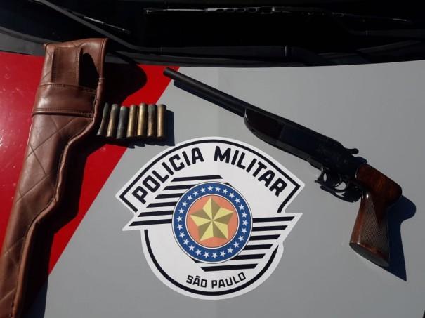 Ocorrência de desinteligência entre casal termina com prisão por posse de arma de fogo, em OC