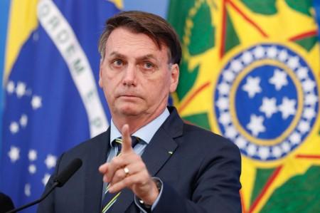 Bolsonaro sanciona projeto que autoriza doação de alimentos que sobrarem nos restaurantes a pessoas carentes