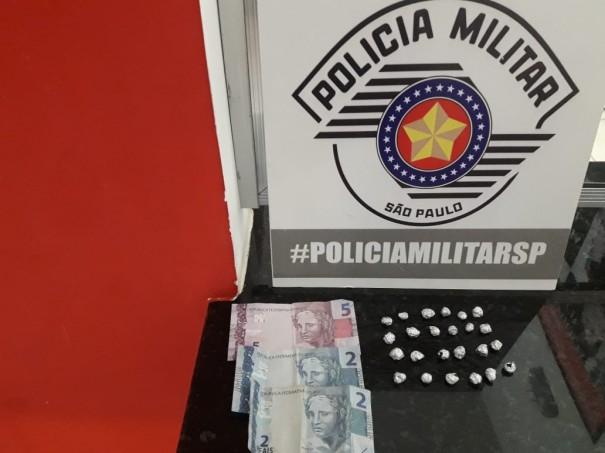 Homem de Salmourão é preso em flagrante pela PM com 24 pedras de crack