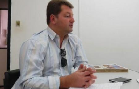 Ministério Público processa ex-Prefeito Samir de Parapuã por irregularidade em contratação de serviços coleta de galhos