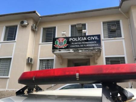 Homem é preso ao ser encontrado dormindo com produtos furtados em estabelecimentos comerciais em Presidente Prudente