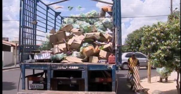 Pandemia altera coleta seletiva de lixo em Osvaldo Cruz