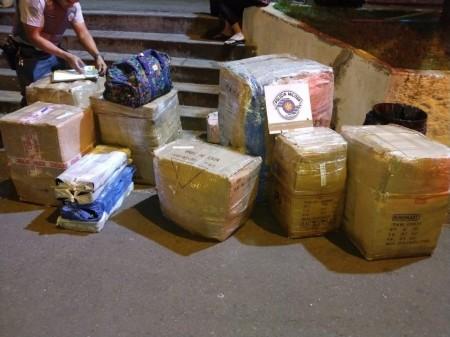 Mercadorias oriundas do Paraguai são apreendidas durante fiscalização da Polícia Rodoviária na SP-294