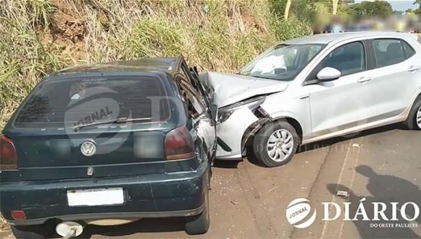 Acidente na SP-294 envolve carros placas de Bastos e Belo Horizonte