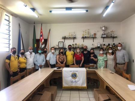Projeto do Lions Clube 'Doar para Conectar' doa 240 notebooks para escolas estaduais de Osvaldo Cruz e Adamantina