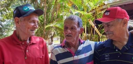 Após 70 anos, idoso que perdeu trem durante viagem com a família reencontra irmãos em Tupã