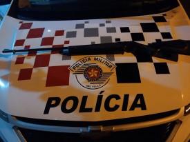 Polícia Militar flagra homem dormindo com espingarda ao lado de colchão na zona rural de Flórida Paulista