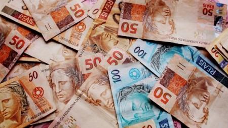 Receita Federal injetou mais de R$ 100 milhões na economia regional em 2020 com restituições do IR