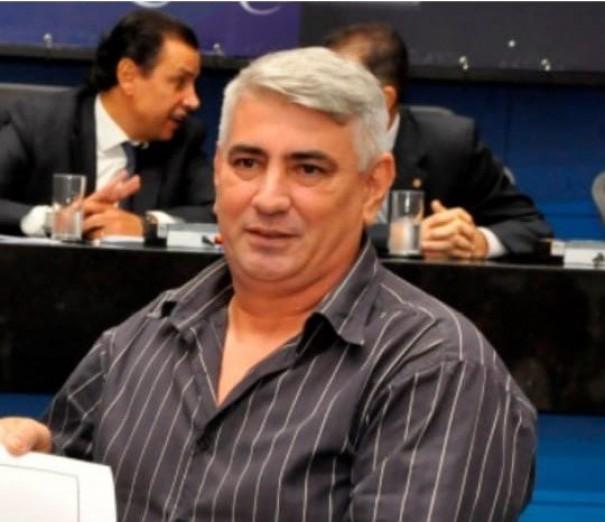Professor Renato 'Periquito' Branco morre vítima da Covid-19