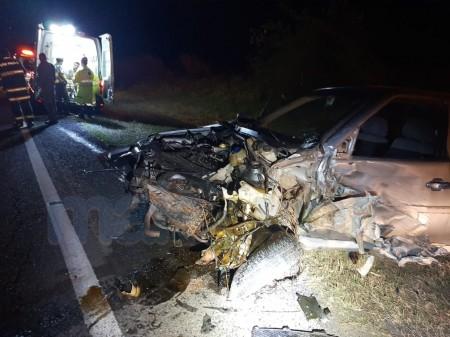 Motorista fica ferido em colisão frontal na SP-294 em Tupã