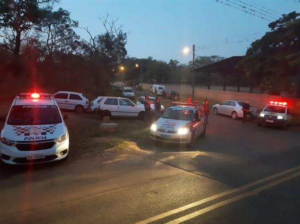 Barreira sanitária aborda quase 700 veículos e atinge 2.800 pessoas no Balneário Laranja Doce, em Martinópolis