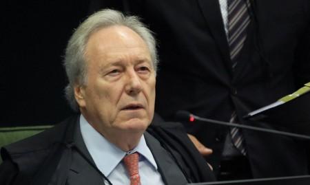 Lewandowski nega pedido para retirar Renan da relatoria da CPI