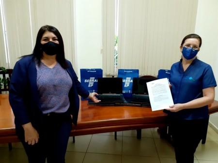 Santa Casa de Osvaldo Cruz recebe doação de notebooks do SEBRAE-SP