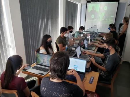 Multiplic começa projeto com Escola da Nuvem e participação da Amazon Web Services