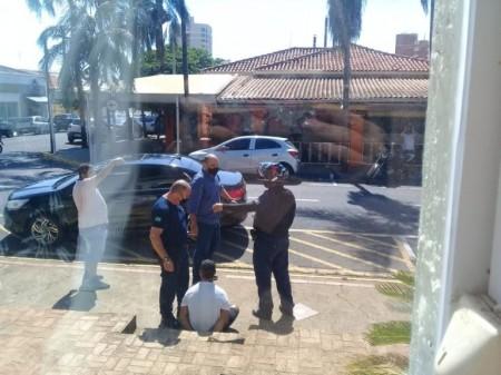 Prefeito de Birigui corre atrás de ladrão de celular e ajuda a deter criminoso