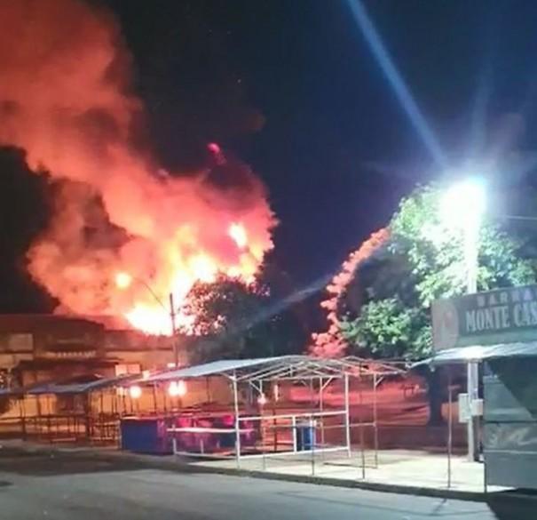 Incêndio destrói parte da estrutura da antiga estação ferroviária de Guararapes