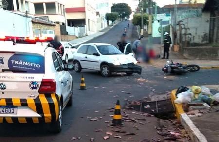 Corsa placas de Bastos se envolve em acidente com vítimas em Tupã