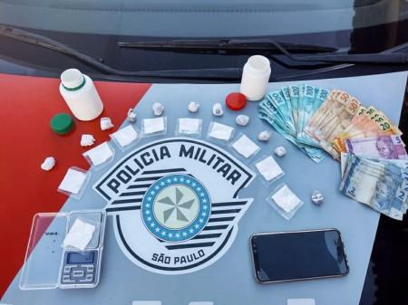 Policiais Militares prendem homem por tráfico de drogas e corrupção ativa, em Osvaldo Cruz