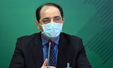 Verba para pesquisa de vacina nacional é prioridade, diz secretário