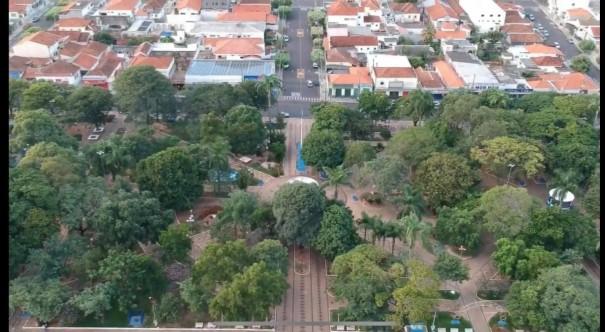 Presidente da Câmara de OC fala sobre Projeto de mudança de nome da Praça Lucas Nogueira Garcez para Praça São José
