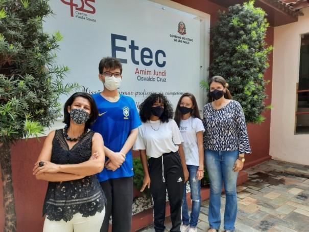 Etec Amim Jundi tem três alunos premiados em competição da USP