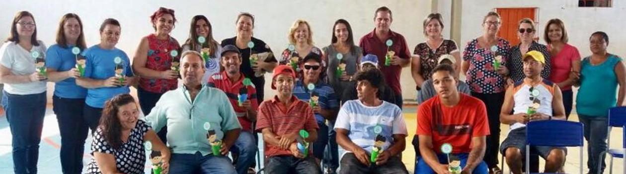 Setor de Educação de Osvaldo Cruz desenvolve o projeto 'Dê uma mão para o nosso Coletor'