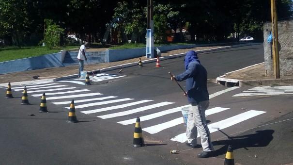 Demutran de Osvaldo Cruz inicia trabalho de recuperação de sinalização de trânsito