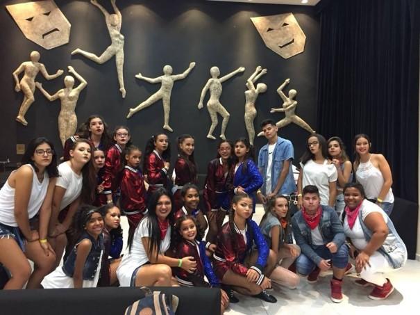 Equipe de dança de rua da Secretaria de Cultura, Esporte e Turismo de Osvaldo Cruz, é destaque no final de semana