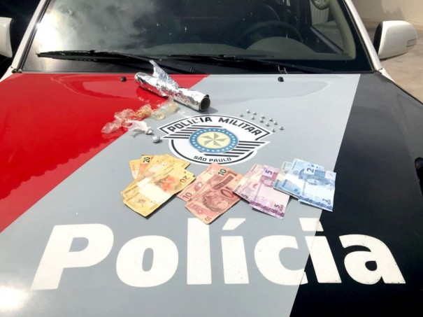 Mulher é presa por tráfico na Vila Esperança