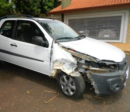 Comerciante fica ferido em acidente e aposentado é preso por embriaguez ao volante