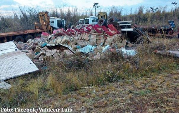 Caminhoneiro bastense sofre grave acidente na BR-153 em Goiás