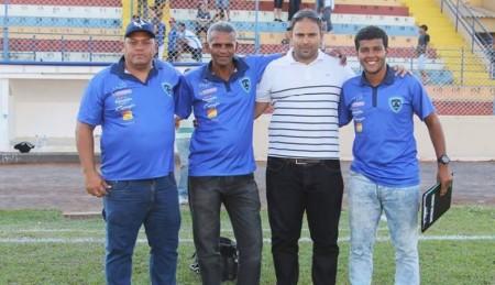 Técnico de 22 anos é a aposta do Azulão para comandar Azulão no Sub-20 e Copa SP