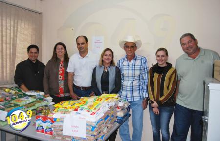 Organização do rodeio de OC entregou alimentos arrecadados para entidades do município
