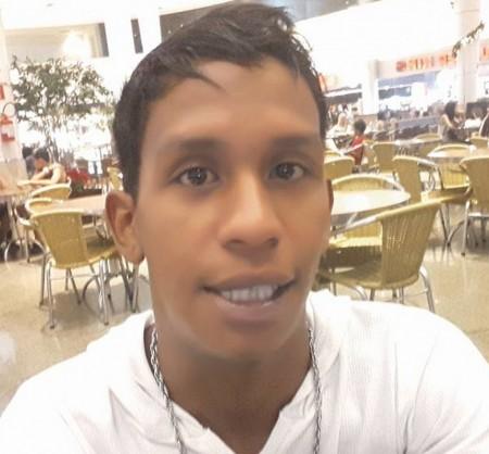 Rapaz morre baleado pela PM depois de jogar carro contra policiais em mercado