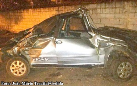 Mulher fica ferida em acidente na SP-294 envolvendo carro de Osvaldo Cruz