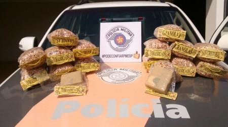 Boliviana é apreendida após transportar tabletes de cocaína dentro de pacotes de granola