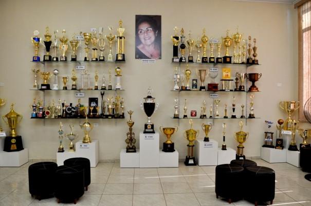 Osvaldo Cruz inaugura sala de troféus no Centro Cultural