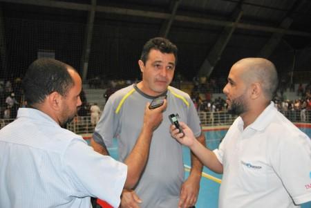 Técnico Berinha  disse que falta apoio e incentivo para o futsal de Osvaldo Cruz, após partida desta quinta