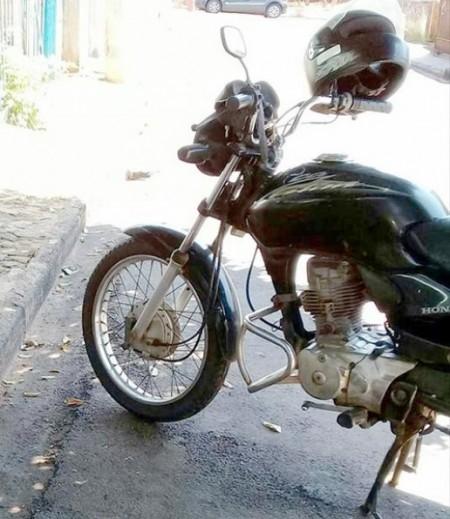 Moto é furtada em propriedade rural em Bastos