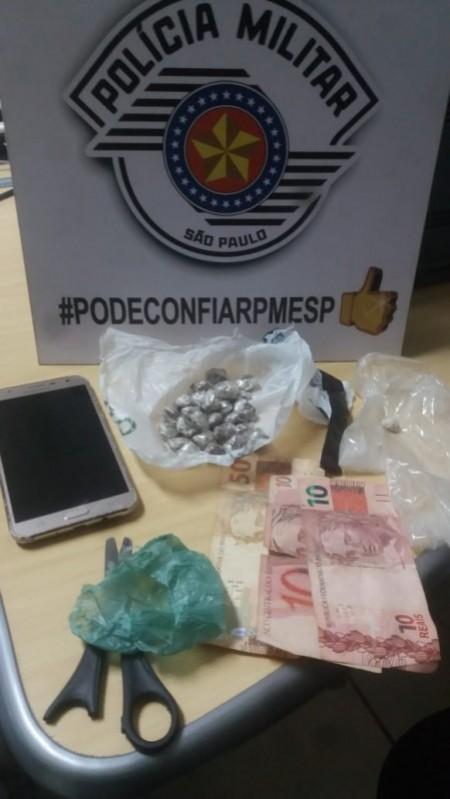 Polícia Militar faz flagrante de ato infracional de tráfico de drogas em Lucélia