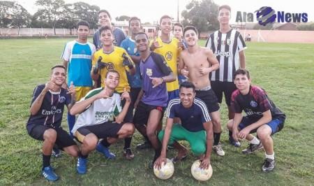 Ex-jogador do Rio Branco de Americana inicia trabalhos de treinamento com atletas de Salmourão