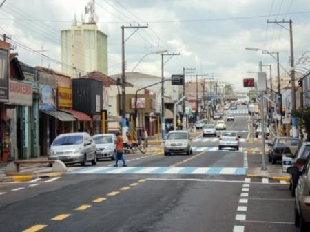 Comércio de Osvaldo Cruz funciona até as 16 horas hoje, véspera de Ano Novo