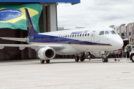 Embraer e Boeing firmam parceria para acelerar crescimento
